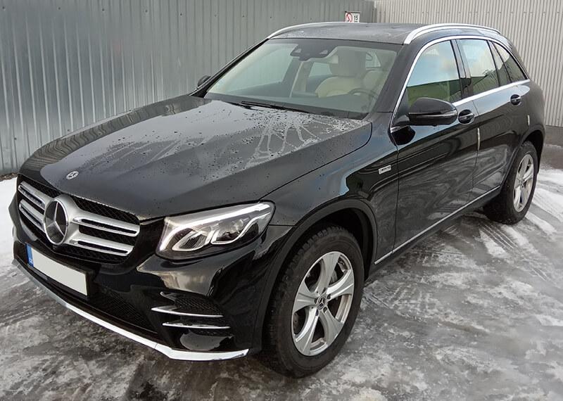 Auto k půjčení Mercedes GLC